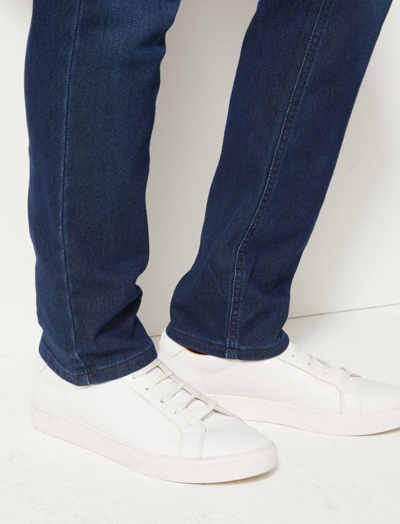 Slim Fit Stretch Travel Jean Pantolon