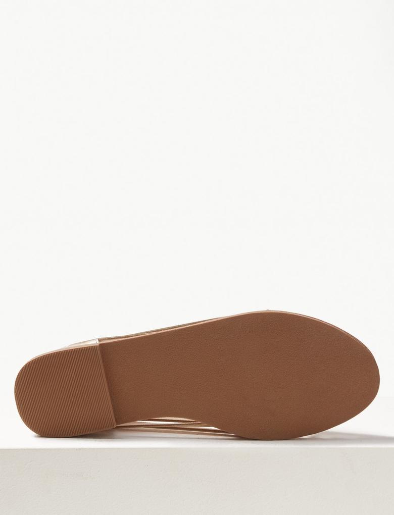 Düz Tabanlı Açık Ayakkabı