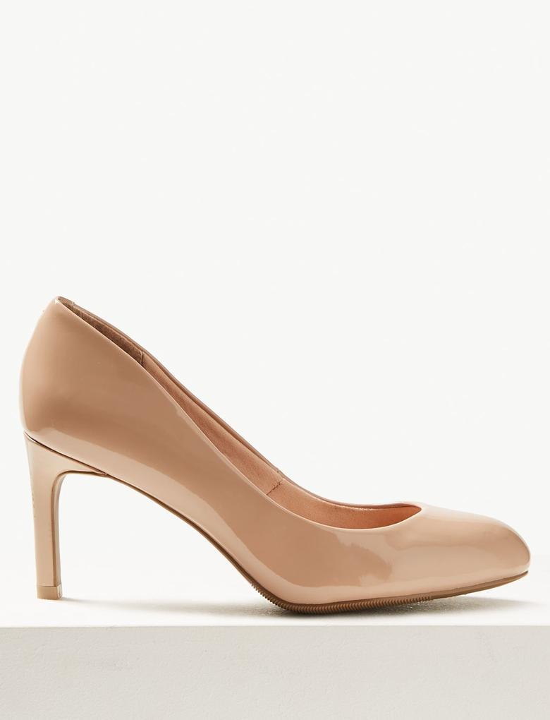 Geniş Kalıplı Ayakkabı