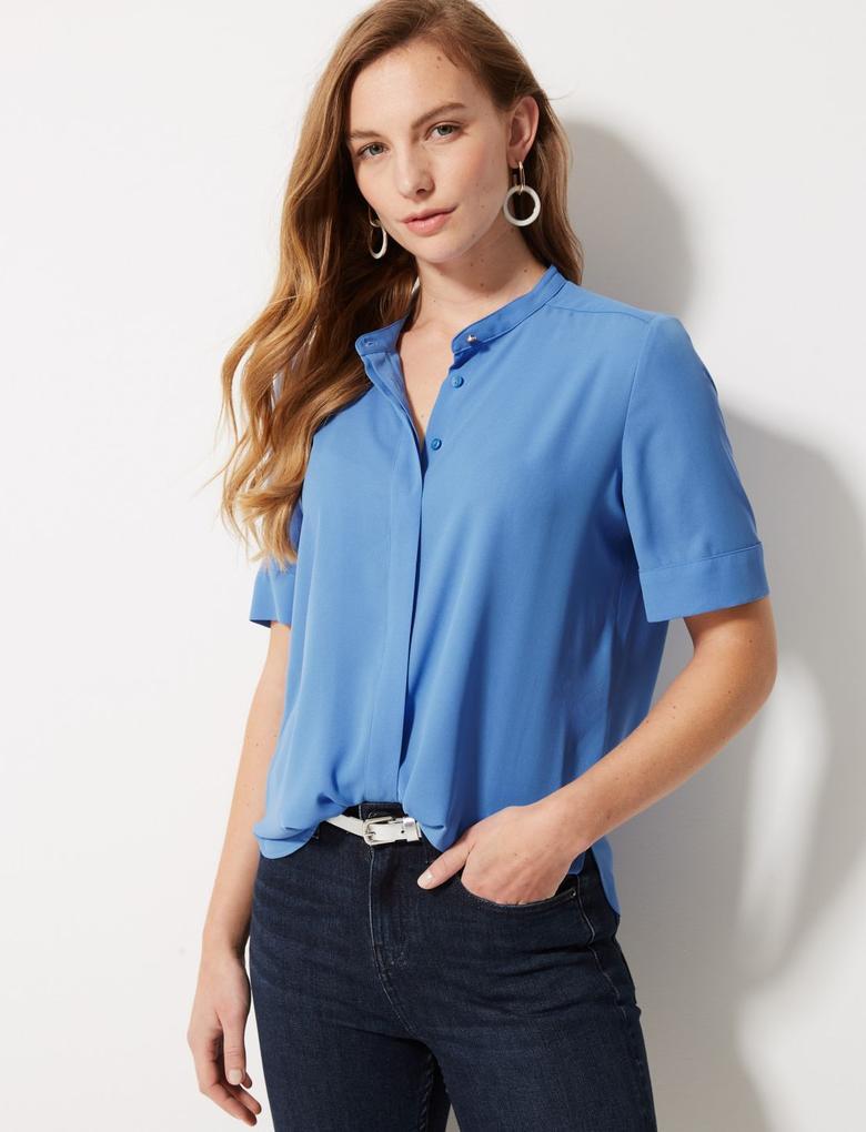 Mavi Yuvarlak Yaka Kısa Kollu Bluz