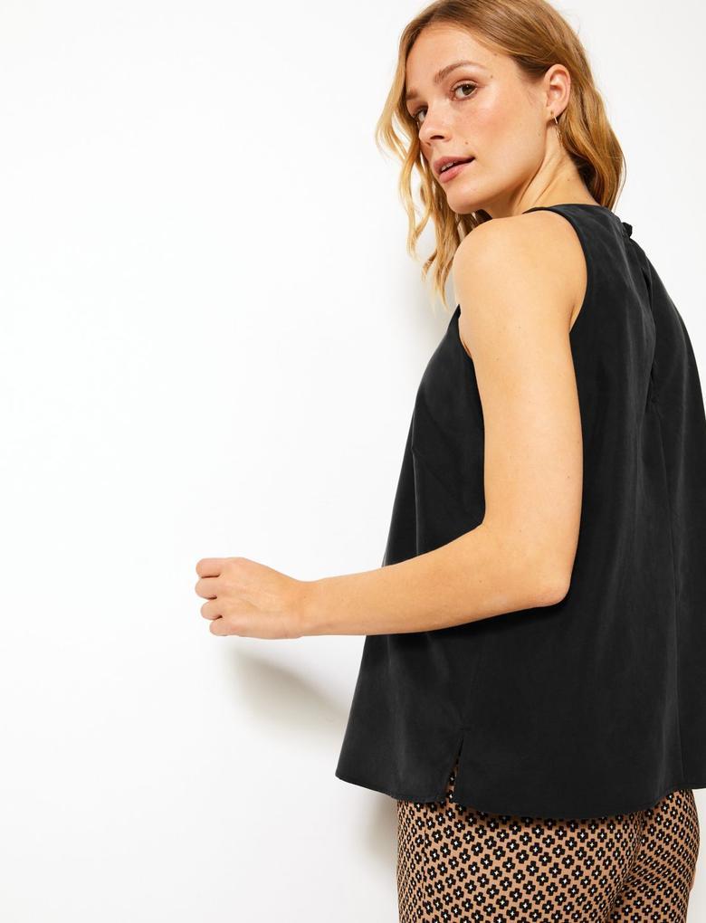 Kadın Siyah Yuvarlak Yaka Kolsuz Bluz