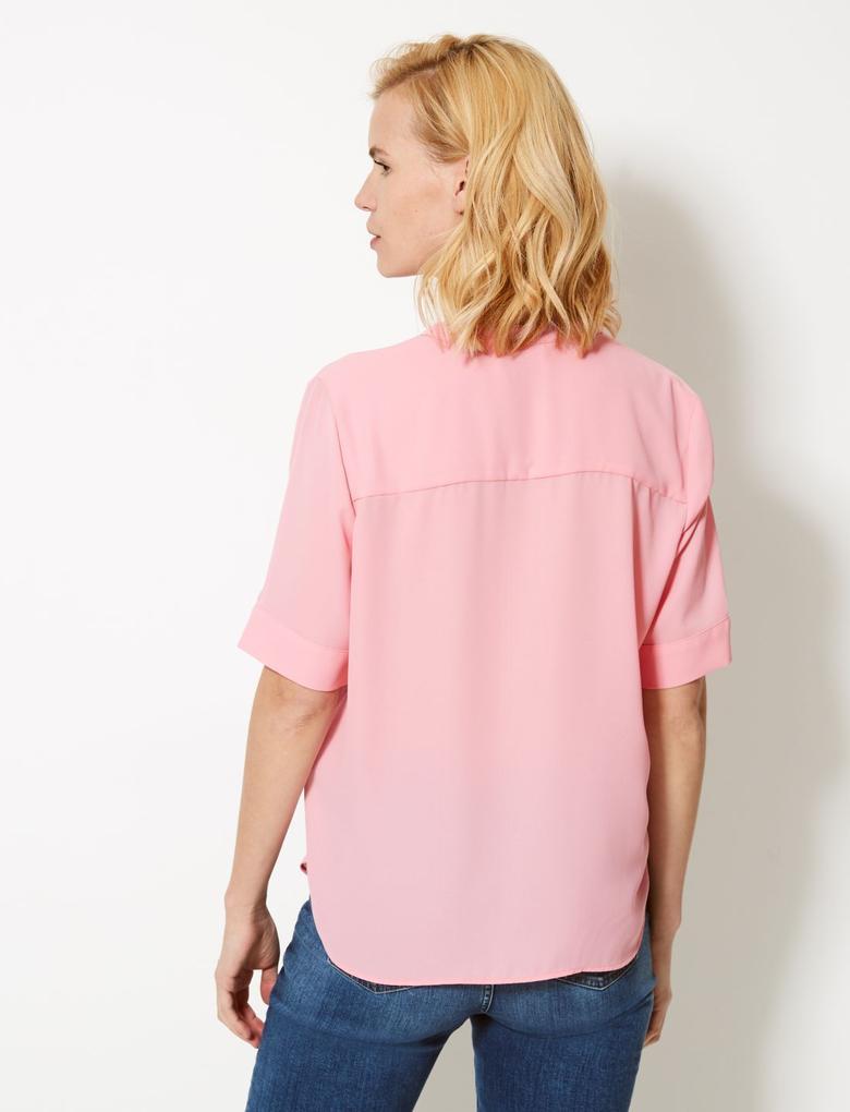 Düğme Detaylı Kısa Kollu Gömlek
