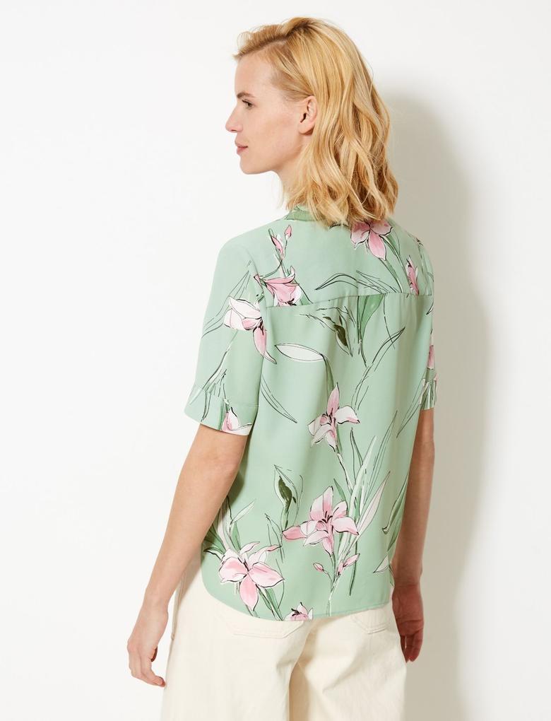 Kadın Yeşil Çiçek Desenli Kısa Kollu Gömlek