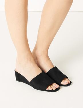 Dolgu Topuklu Terlik Ayakkabı
