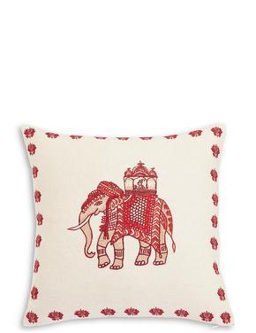 Fil İşlemeli Yastık