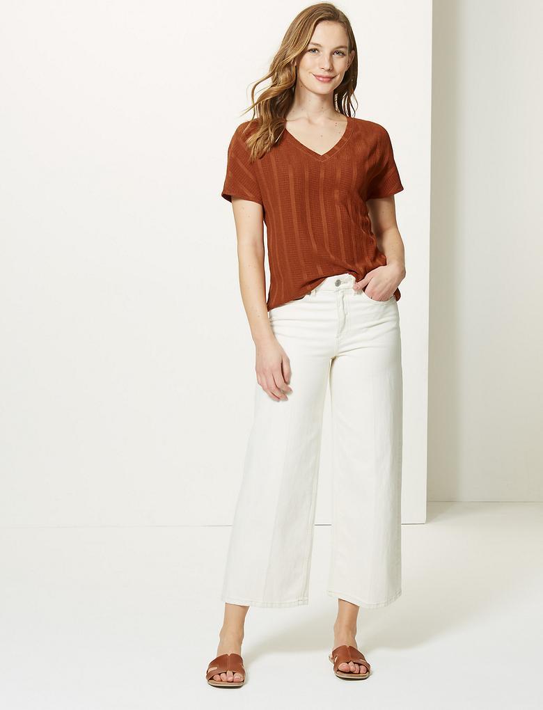 Kahverengi V Yaka Kısa Kollu T-Shirt