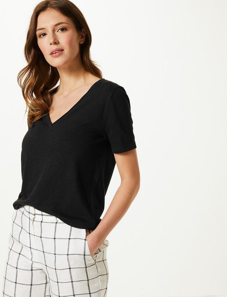 Kadın Siyah Pamuklu V Yaka Straight Fit T-Shirt