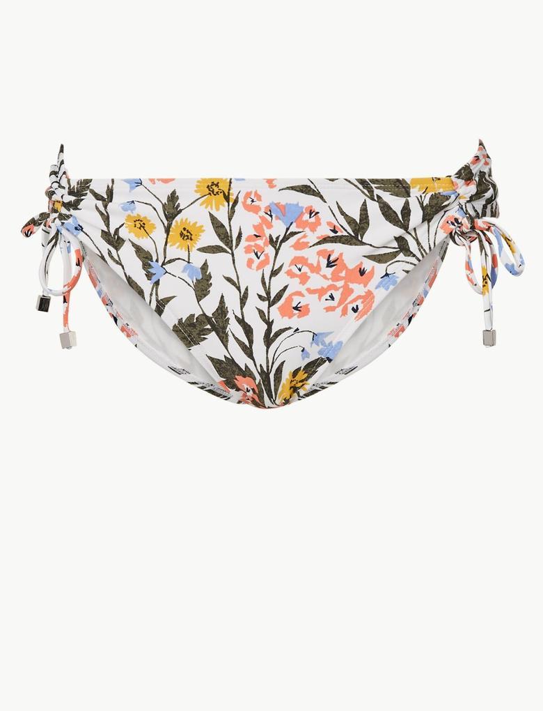 Beyaz Çiçek Desenli Hipster Bikini Altı