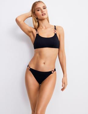 Zincir Detaylı Bikini Üstü