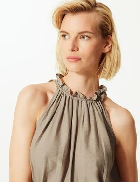 Kadın Krem Büzgülü Yaka Kolsuz Bluz