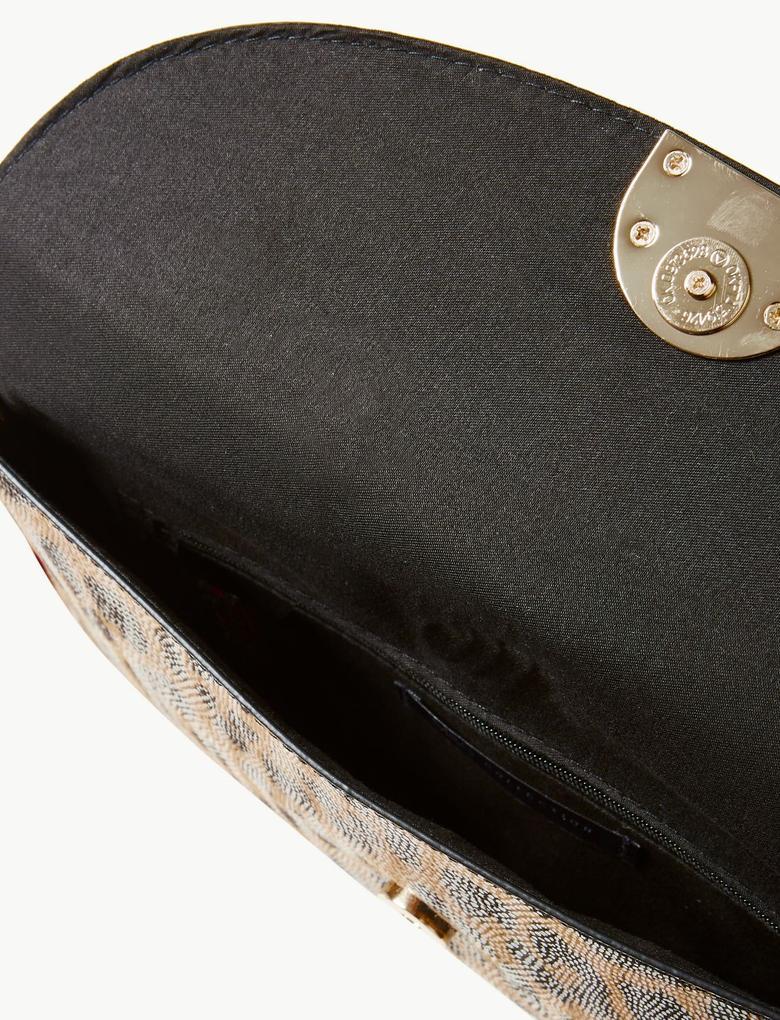 Kahverengi Zincir Askılı Clutch Çanta