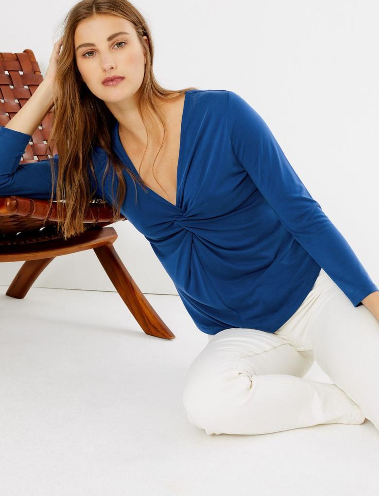 Kadın Mavi Burgu Detaylı Uzun Kollu Bluz