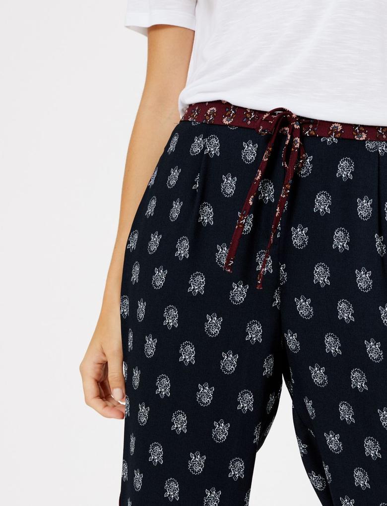 Kadın Lacivert Çiçek Desenli Grazer Pantolon