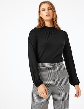 Kadın Siyah Büzgülü Yakalı Uzun Kollu Bluz