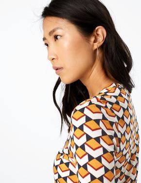 Kadın Krem Geometrik Desenli Yarım Kollu Bluz