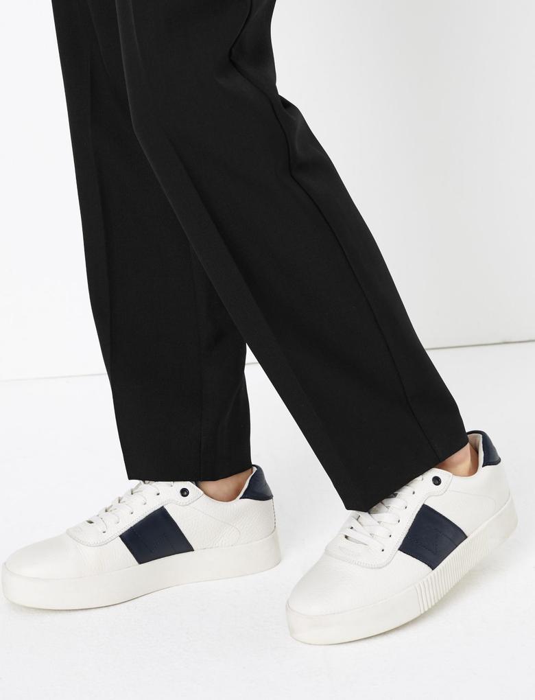 Siyah Toka Detaylı Straight Leg Pantolon