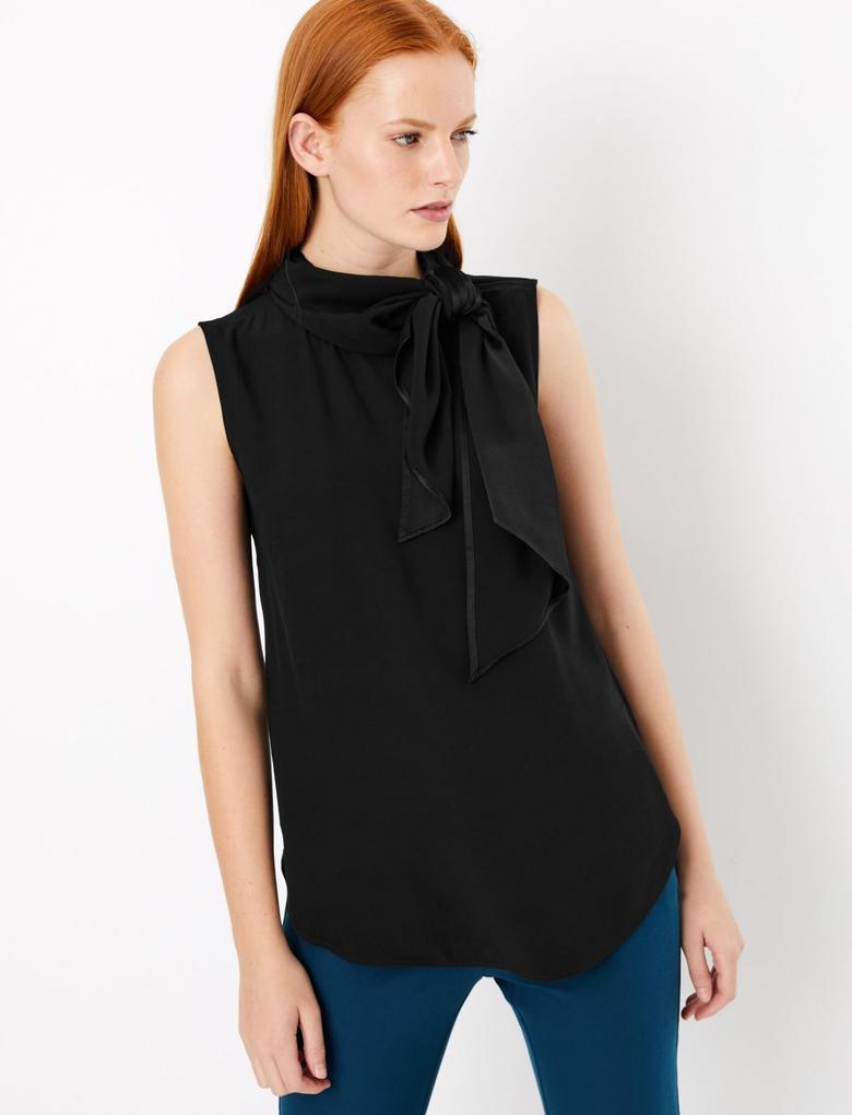 Kadın Siyah Yakası Fularlı Kolsuz Bluz