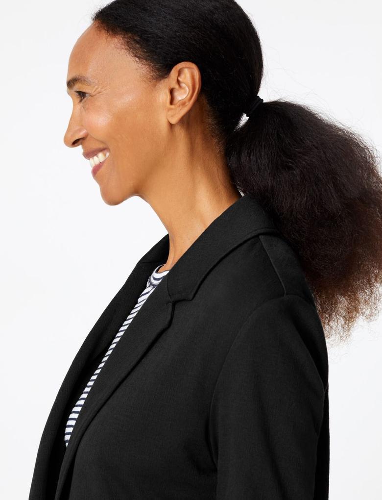 Kadın Siyah Triko Kaban