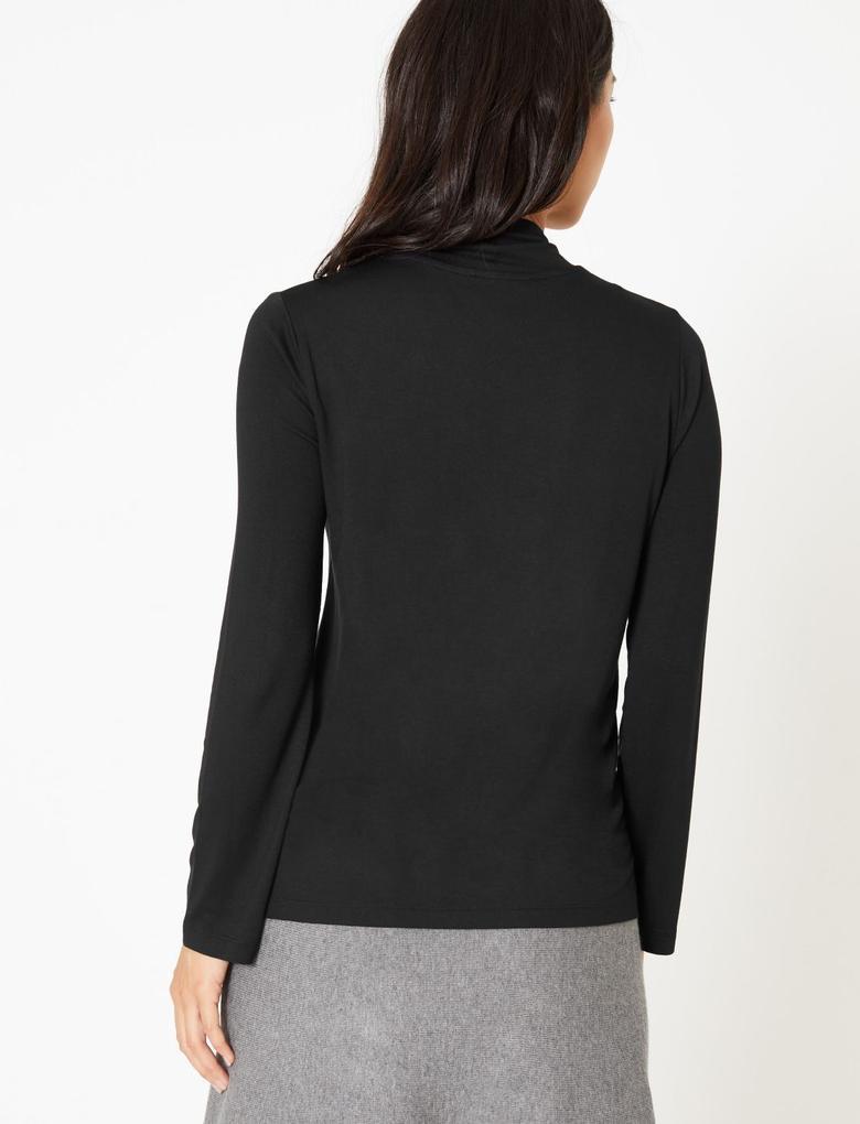 Fiyonk Detaylı Bluz