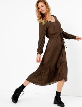 Jakarlı Büzgü Detaylı Saten Elbise