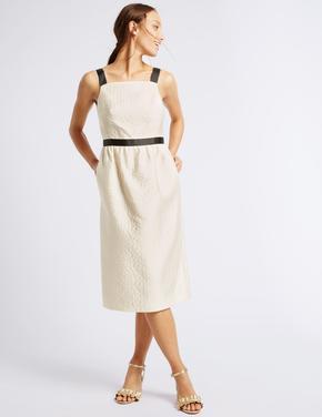 Bej Jakarlı Elbise