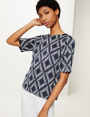 Kadın Lacivert Geometrik Desenli Kısa Kollu Bluz