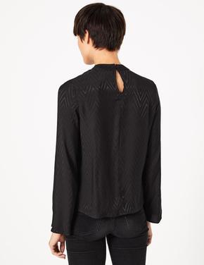Siyah Balıksırtı Desenli Bluz