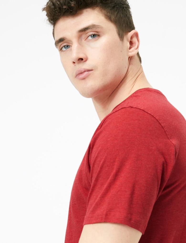 Erkek Kırmızı Saf Pamuklu Yuvarlak Yaka T-shirt