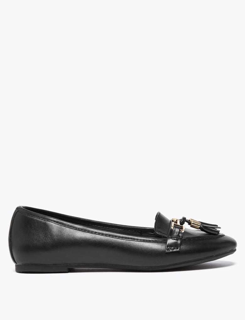Kadın Siyah Püskül Detaylı Loafer Ayakkabı