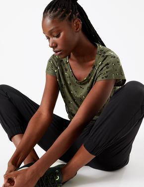 Kadın Yeşil Desenli Kısa Kollu T-Shirt