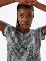 Kadın Siyah Desenli Kısa Kollu T-Shirt