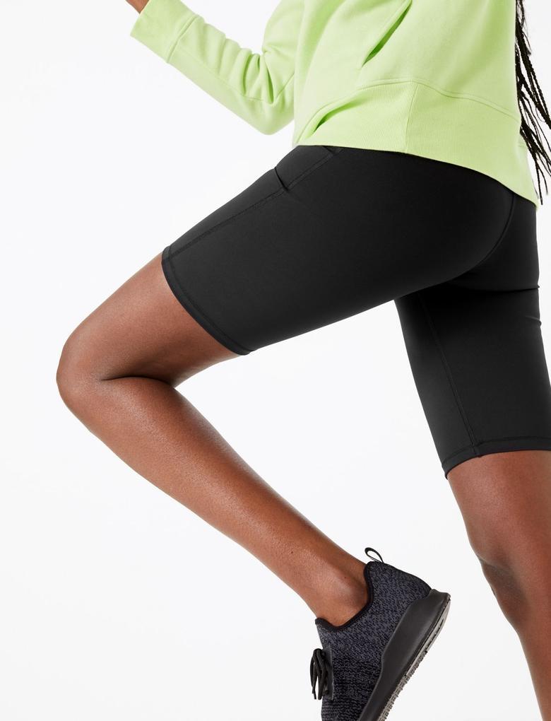 Kadın Siyah Go Move Spor Şortu