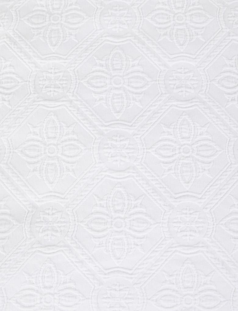 Ev Beyaz Saf Pamuklu Çiçek Desenli Nevresim Takımı