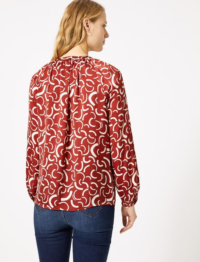 Kadın Kırmızı Desenli Saten Bluz