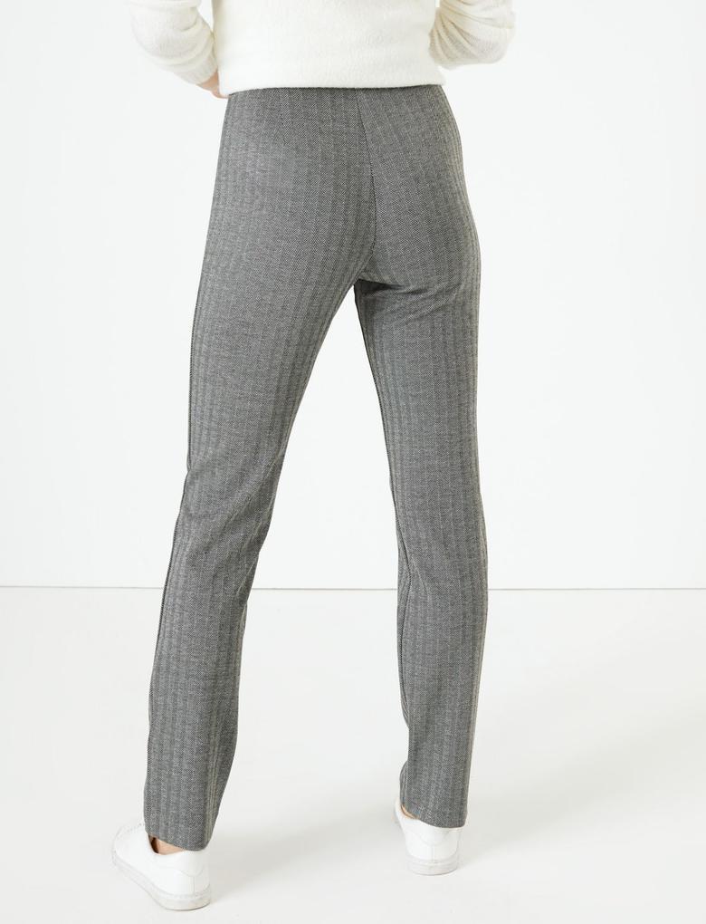 Kadın Siyah Kazayağı Desenli Slim Fit Pantolon