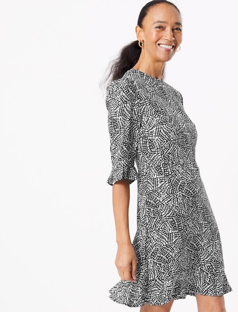 Kadın Siyah Fit & Flare Desenli Mini Elbise