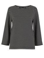 Siyah Çizgili Kayık Yaka T-Shirt