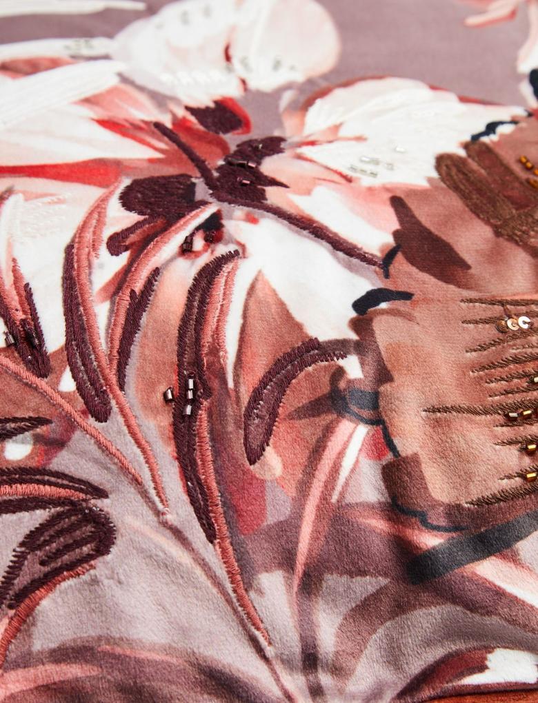 Ev Kahverengi Çiçek İşlemeli Dekoratif Yastık