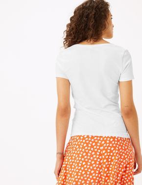 Kadın Beyaz V Yaka Fitted T-Shirt