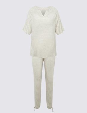 Kadın Bej Çizgili Pijama Takımı