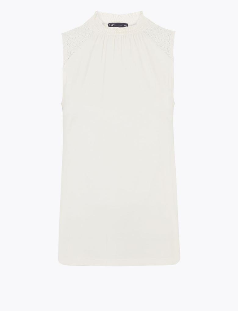 Kadın Beyaz Kolsuz Straight Fit Bluz
