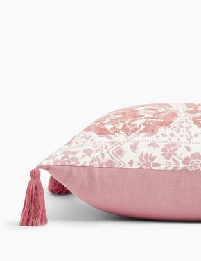 Ev Pembe İşlemeli Dekoratif Yastık