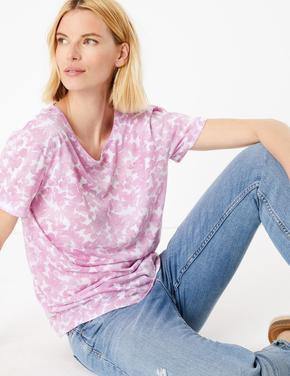 Kadın Mor Desenli Yuvarlak Yaka T-Shirt