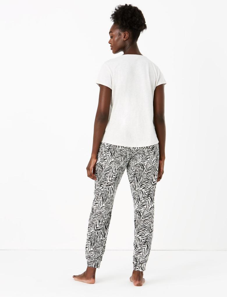 Kadın Bej Zebra Desenli Pijama Takımı