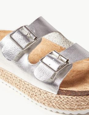 Kadın Gümüş Deri Tokalı Düz Sandalet