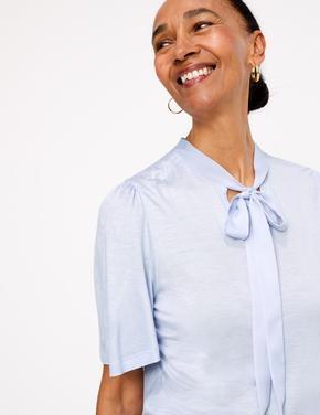 Kadın Mavi Kısa Kollu Yakası Bağlamalı Bluz