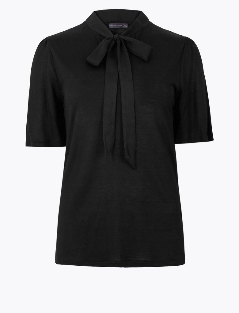 Kadın Siyah Kısa Kollu Yakası Bağlamalı Bluz