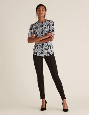 Kadın Lacivert Çiçek Desenli Kısa Kollu T-Shirt