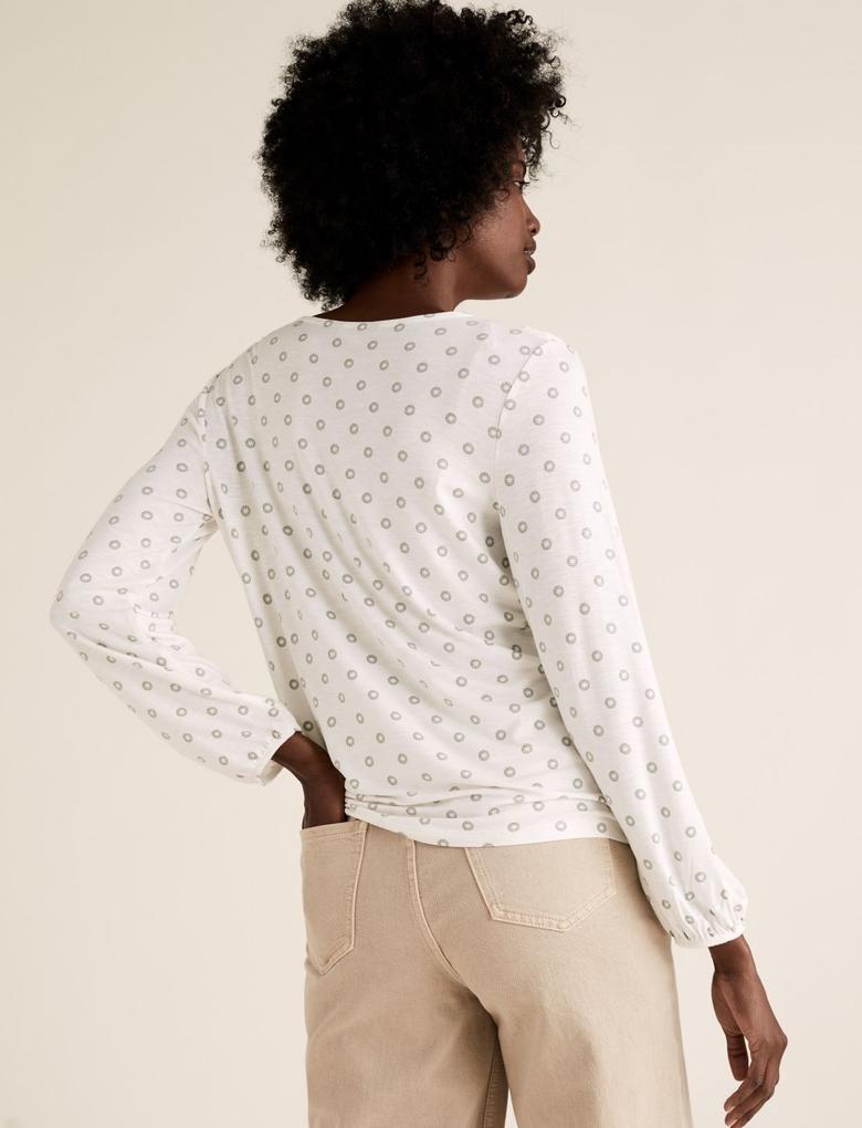 Kadın Krem Desenli V Yaka Bluz