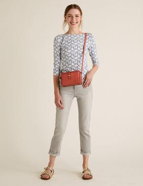 Kadın Bej Desenli Kayık Yaka T-Shirt